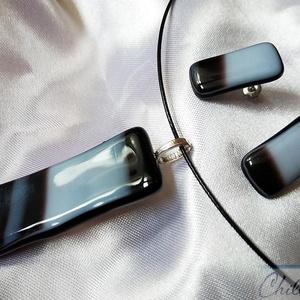 Fekete - fehér minimal design szett - egyedi üvegékszer medál stiftes fülbevalóval, Ékszer, Ékszerszett, Ékszerkészítés, Üvegművészet, Sokan kedvelik a minimal stílust a kiegészítőknél is, nekik készült ez a különleges szett! Fusing te..., Meska