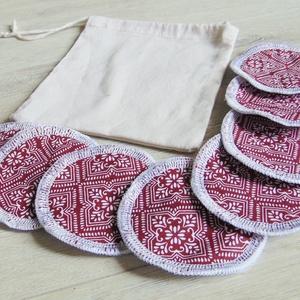 Arctisztító korong tasival ( 8 db ) / textil sminktörlő korong.  Többször használható arctisztító pamacs, NoWaste, Textilek, Pamut arctisztító, Varrás, -Többször felhasználható, egyedi, puha, textil arctisztító korongok, zsákocskával.\n-bordó- fehér min..., Meska