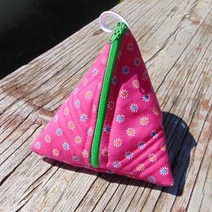Pink virágmintás pénztárca / tasi, tároló kincseknek, kulcsoknak, stb., Táska, Divat & Szépség, Táska, Pénztárca, tok, tárca, Pénztárca, Erszény, Varrás, Pink és színes kis virág mintás pamut vászon pénztárca\n-bélelt\n-cipzárral záródik\n-30C°-on mosható\n-..., Meska
