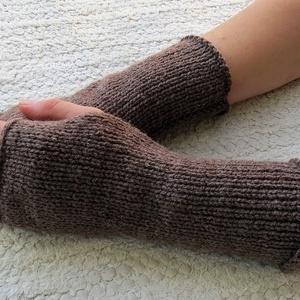 Latur- kötött kézmelegítő S-M méretű. Puha, meleg kötött kézmelegítő/ ujjatlan kesztyű (ChristieHomemade) - Meska.hu