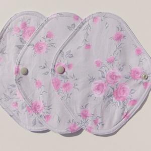 Tisztasági betét-  szürke-rózsa mintás ( 3 db/ cs )/ mosható textil betét, NoWaste, Textilek, Menstruációs bugyi, Varrás, Patenttal záródó tisztasági betét, egy vékony nedvszívó réteggel.\nEz a tisztasági betét a vérzések k..., Meska