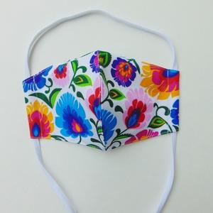 Színes virág mintás szájmaszk (16 cm) / textil szájmaszk, többször használható szájmaszk, Maszk, Arcmaszk, Női, Varrás, Színes virág mintás, textil szájmaszk.\nTöbbször használatos, környezetbarát.\nA külső anyaga mintás p..., Meska