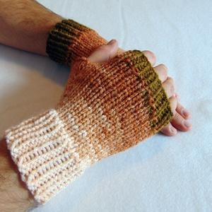 Osire- FÉRFI ujjatlan kesztyű/ kézmelegítő, puha, meleg, Ruha & Divat, Sál, Sapka, Kendő, Kesztyű, Kötés, Vastag, zöld-barna színátmenetes 100%akril fonalból készült ez a kötött, férfi ujjatlan kesztyű. \n\nM..., Meska