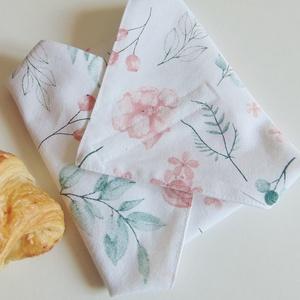 Öko szendvics csomagoló / újraszalvéta, nowaste, textil szalvéta, Táska & Tok, Uzsonna- & Ebéd tartó, Szendvics csomagoló, Varrás, Zero waste! \nBarack színű virág mintás, öko szalvéta.\nTépőzárral rögzíthető. Belső oldala vízhatlan,..., Meska