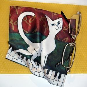 Szemüvegtörlő kendő (zongorán sétáló macska), Szemüvegtok, Pénztárca & Más tok, Táska & Tok, Mindenmás, Saját grafika alapján szublimációs technikával készült ez a szemüvegtörlő. Kívánó nyomtatási minőség..., Meska