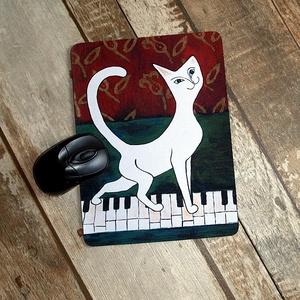 Zongorán sétáló cica-Egérpad, Asztaldísz, Dekoráció, Otthon & Lakás, Mindenmás, Fotó, grafika, rajz, illusztráció, Ezzel az egérpaddal feldobhatod a szeretteid, munkatársaid dolgos perceit amikor rápillantanak .\n Mé..., Meska