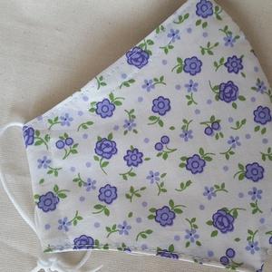 Szájmaszk dróttal 3 rétegű textilből, Egyéb, Táska, Divat & Szépség, Szépség(ápolás), Maszk, szájmaszk, Egészségmegőrzés, Varrás, 3 rétegű, fehér alapon bájos lila virágos pamutvászonból készült szájmaszk, extra puha gumival. A fe..., Meska