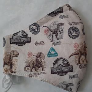 Szájmaszk dróttal 3 rétegű textilből, Maszk, Arcmaszk, Férfi & Uniszex, Varrás, 3 rétegű, Jurassic World  mintás 100 % pamut designer textilből készült szájmaszk extra puha gumival..., Meska