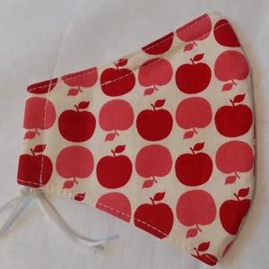 Szájmaszk dróttal 3 rétegű textilből, Maszk, Arcmaszk, Női, Varrás, 3 rétegű, törtfehér alapon alma mintás 100 % pamut designer textilből készült szájmaszk extra puha g..., Meska