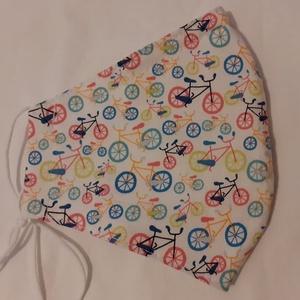 Szájmaszk dróttal 3 rétegű textilből, Maszk, Arcmaszk, Varrás, 3 rétegű, fehér alapon tarka bicikli mintás 100 % pamut designer textilből készült szájmaszk extra p..., Meska