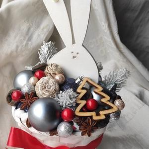 Fehér nyuszi asztaldísz / lakásdekor adventi vagy karácsonyi időszakra, Karácsony & Mikulás, Karácsonyi dekoráció, Mindenmás, Ezüst nyuszi kisebb tesója, a fehér nyuszi is elkészült. Aranyos lakásdekoráció adventi vagy karácso..., Meska