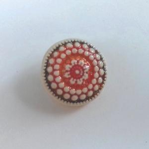 Kerámia gomb, Gomb, Kerámia gomb, Agyagozás, 5 darab apró mintás keråmia gombot készítettem fehér agyagbôl. \nCeramic button. \n\nA hátulján erős, b..., Meska