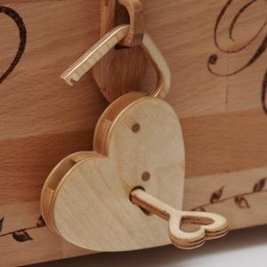 Működő szív lakat szivecskés kulccsal , Esküvő, Nászajándék, Emlék & Ajándék, Famegmunkálás, Meska