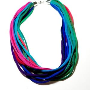 Textil sokszálas nyaklánc fém zárral - lila/pink/kék/zöld, Ékszer, Nyaklánc, Statement nyaklánc, Ékszerkészítés, Újrahasznosított alapanyagból készült termékek, Klasszikus sokszálas nyaklánc kizárólag textilből készítve fix hosszal, fém kapcsos záródással.\nA ny..., Meska