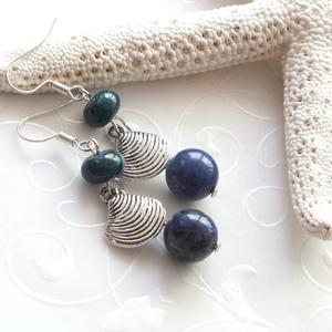 Krizokolla - főnix lazuli fülbevaló - Tengerpart kollekció, Ékszer, Fülbevaló, Ékszerkészítés, 10 mm-es főnix lazuli gyöngyből, 5 * 8 mm-es krizokolla rondellából, és ezüst színű tengeri kagyló m..., Meska