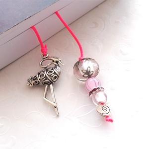 Flamingós könyvjelző, Otthon & Lakás, Papír írószer, Könyvjelző, Ékszerkészítés, Adj a kedvenc könyvednek egy kis extrát.:)\nPink zsinórra fűzött lámpa és üveggyöngyökkel díszített v..., Meska