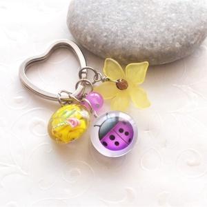 Tavasz... üveglencsés kulcstartó, Táska & Tok, Kulcstartó & Táskadísz, Kulcstartó, Ékszerkészítés, Vidám, tavaszias színű kulcstartó, vagy táskadísz, lámpagyöngy korongból, nagy akril virágból, achát..., Meska