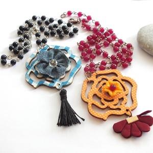 Favirág... ásványgyöngyös nyaklánc, Ékszer, Nyaklánc, Medálos nyaklánc, Könnyű, bohém, nyárias láncocskák, narancs alapon bézs pöttyös, vagy kék - fehér kockás nagy favirág..., Meska