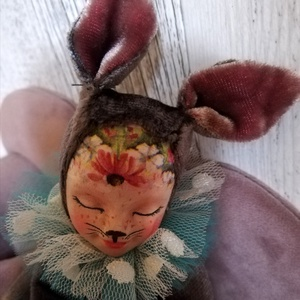 Nyuszibaba, Dísztárgy, Dekoráció, Otthon & Lakás, Baba-és bábkészítés, Kedves kis álomszuszék nyuszibabák.\nHúsvétra készítettem ezeket a kis nyuszigyerekeket,de ugy gondol..., Meska