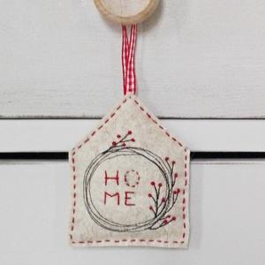 HOME gyapjúfilc házikó (colette) - Meska.hu
