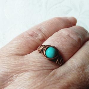 """Türkinit gyűrű , Szoliter gyűrű, Gyűrű, Ékszer, Ékszerkészítés, Fémmegmunkálás, Van egy gyönyörű vörös réz huzal \""""gyűjteményem\"""".  Szinte kínálta magát a türkinit, hogy fogjam be, é..., Meska"""
