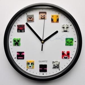 MINECRAFT falióra (22,5 cm), Játék & Gyerek, Egy egyedülálló falióra olvasztott gyöngy figurák felhasználásával.   A népszerű MINECRAFT játék 12 ..., Meska
