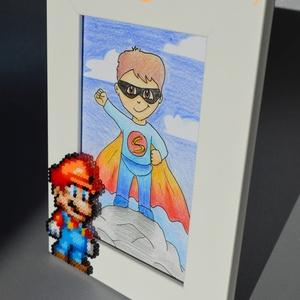 Super Mario - Dekorált fotókeret, képkeret (10x15 cm-es fotónak), Otthon & Lakás, Dekoráció, Képkeret, Fotó, grafika, rajz, illusztráció, Egyedileg díszített fotókeret, amit még egyedibbé tehetünk, ha kérsz rá egy nevet vagy rövid felirat..., Meska