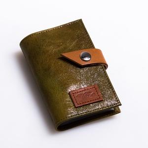 Shiny greens - bankkártya tartó, Táska & Tok, Pénztárca & Más tok, Kártyatartó & Irattartó, Design:   Stílusos bankkártya tartót készítettem puha tapintású kecskebőrből. 12 részes műanyag kárt..., Meska