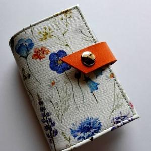 Flowery - bankkártya tartó, Táska, Divat & Szépség, Táska, Pénztárca, tok, tárca, Pénztárca, Erszény, Bőrművesség, Varrás, Design: \n\nStílusos, csajos bankkártya tartót készítettem vastag marhabőrből. 12 részes műanyag kárty..., Meska