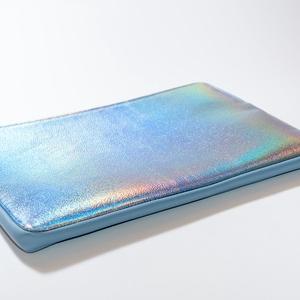 """Holographic dream - laptop tartó, Táska, Divat & Szépség, Táska, Laptoptáska, Bőrművesség, Varrás, Design: \n\n13\""""-os laptop tartóm védi és díszíti is a géped! A minta feltűnő és csajos, az előrész és ..., Meska"""
