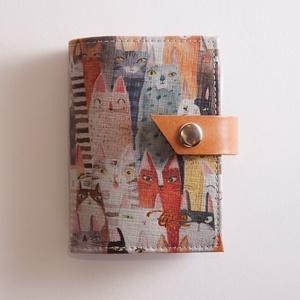Friends - bankkártya tartó, Táska, Divat & Szépség, Táska, Pénztárca, tok, tárca, Pénztárca, Erszény, Bőrművesség, Varrás, Design: \n\nStílusos, csajos bankkártya tartót készítettem vastag marhabőrből. 12 részes műanyag kárty..., Meska