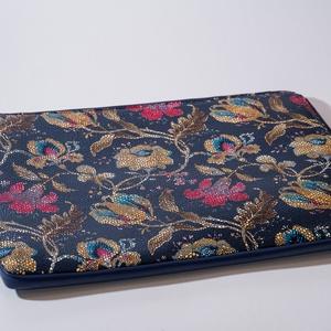 """Vintage flowery - laptop tartó 15\"""", Táska, Divat & Szépség, Táska, Laptoptáska, Bőrművesség, Varrás, Design: \n\n15\""""-os laptop tartóm védi és díszíti is a géped! A minta feltűnő és csajos, az előrész és ..., Meska"""