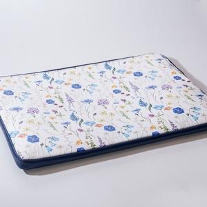 """Fields - laptop tartó 15\"""", Táska, Divat & Szépség, Táska, Laptoptáska, Bőrművesség, Varrás, Design: \n\n15\""""-os laptop tartóm védi és díszíti is a géped! Az előrész és a hátrész külöböző, de nagy..., Meska"""