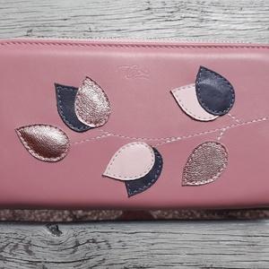 Vintage pink - rosegold  - valódi bőr tárca, Táska & Tok, Pénztárca & Más tok, Pénztárca, Design:   Klasszikus fazonban is elérhető a tárcám nőies színekben és díszítéssel.  Nagy mérete miat..., Meska