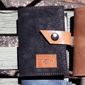 Rustic black -  bankkártya tartó, Táska & Tok, Pénztárca & Más tok, Kártyatartó & Irattartó, Bőrművesség, Design: \n\nStílusos bankkártya tartót varrtam erős, matt és rusztikus felületű marhabőrből. 12 részes..., Meska