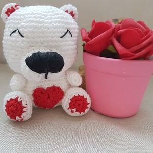 Amigurumi Maci, Játék & Gyerek, Plüssállat & Játékfigura, Maci, Horgolás, Aranyos kis maci, szív mintával a pocakján. Magassága 11cm., Meska