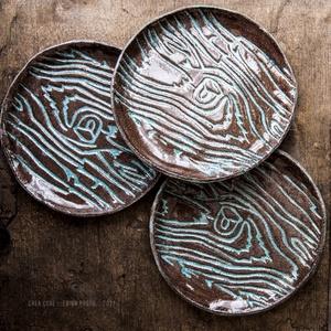 Kerámia tányér kollekció, Otthon & Lakás, Dekoráció, Kerámia, Fa erezetes kerámia dísztányérok, akár étkezésre, dekorációnak, ékszertartónak, növény alátétnek.. a..., Meska