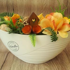 Őszi asztaldekoráció fehér alapban, Dekoráció, Otthon & Lakás, Csokor & Virágdísz, Virágkötés, Ez a dekoráció kiváló ajándék lehet minden alkalomra. alapul egy fehér színű műanyag tálkát használt..., Meska