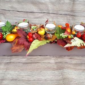 Nyújtott őszi dekoráció gyertyákkal, Gyertya & Gyertyatartó, Dekoráció, Otthon & Lakás, Virágkötés, Ez a termék tökéletes dísz lehet egy hosszú asztalon, kandallópárkányon vagy komódon. Alapul egy léz..., Meska
