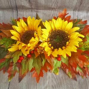 Őszi dekoráció napraforgóval, fatálcán, Csokor & Virágdísz, Dekoráció, Otthon & Lakás, Virágkötés, Ez a termék nagyszerű kiegészítője lehet otthonunknak. Alapul egy lézervágott fa tálca alapot készít..., Meska