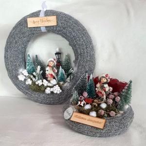 Adventi koszorú és kopogtató kislánnyal szettben, Otthon & Lakás, Karácsony & Mikulás, Karácsonyi dekoráció, Virágkötés, Ez a dekoráció mesés karácsonyi hangulatot teremt otthonunkban. A dekorációkat szalma alapra készíte..., Meska