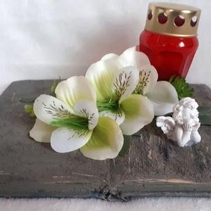 Kegyeleti dekoráció könyv alapon mécsessel, Otthon & Lakás, Spiritualitás & Vallás, Temetkezési tárgy, Virágkötés, Ezt a dekorációt egy könyvre készítettem, amit bevontam kőpasztával, majd mécsessel, selyemvirággal ..., Meska