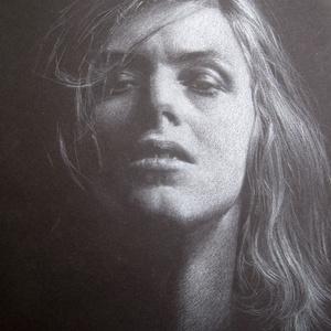 """David Bowie portré - A4 méretű, fehér ceruzával készült grafika, Otthon & lakás, Képzőművészet, Grafika, Rajz, Lakberendezés, Falikép, Dekoráció, Fotó, grafika, rajz, illusztráció, Méret: A4. \nTechnika: ceruzarajz. \nA grafika \""""falrakész\"""",  az ár képkerettel együtt értendő. (legegy..., Meska"""