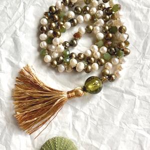 Olive 108 Szemes női mala nyaklánc folyami gyöngyböl, Ékszer, Nyaklánc, Esküvő, Táska, Divat & Szépség, Ékszerkészítés, Csomózás, A gyöngy a kínaiak szerint a tisztaság és érték jelképe. \nEzt tükrözi ez az egyedi stilusú , 108 sze..., Meska