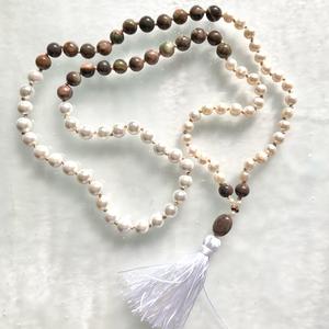 Balance női ásvány nyaklánc, Esküvő, Ékszer, Nyaklánc, Ékszerkészítés, Csomózás, A gyöngy a kínaiak szerint a tisztaság és érték jelképe. \nViseld ezt a csomózott ásvány nyakláncot, ..., Meska
