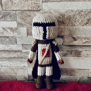 Mandalorian katona, Játék & Gyerek, Plüssállat & Játékfigura, Horgolás, Nem is olyan rég, ám a messzi-messzi galaxisból megérkezett a Mandalorian sorozat egyik főszereplője..., Meska