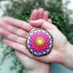 Festett mandala - Mandalakő - Ajándék nőknek, férfiaknak - Painted mandala  - Festett mandala kő (csakrakovek) - Meska.hu