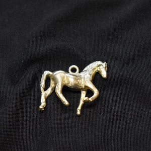 """Zsebóralánc függő, medál \""""lépő ló\"""" sárgarézből , Egyéb, Ötvös, Az eredetivel teljesen megegyező mintát készítettem. A mintát viaszveszejtéses technikával megöntett..., Meska"""