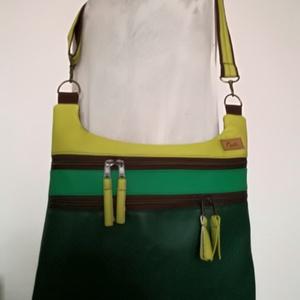""",,TAMARA\"""" válltáska, Táska & Tok, Variálható táska, Varrás,  Zöld árnyalatú , minőségi,textil és műbőrökből készítettem ezt a mutatós, praktikus táskát.\nA felső..., Meska"""
