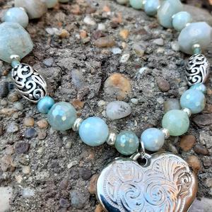 Akvamarin nyakék ezüst színű szív medállal és acháttal - Meska.hu